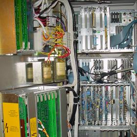 Désempourssièrement d'une armoire électrique 280x280 Décontamination matériels électroniques / Electriques